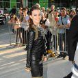 Leighton arrivant au défilé Chanel Haute Couture à Paris