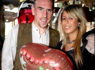 Après la honteuse défaite des Bleus, Franck Ribéry est au soleil, amoureux et en famille... loin de Zahia ! (réactualisé)