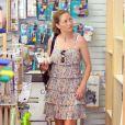 Rebecca Gayheart fait du shopping à Los Angeles, pour sa petite Billie Beatrice, le 15/07/2010.