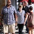 A bord de sa Lamborghini (offerte par P. Diddy pour ses 16 ans), Justin Bieber déambule dans les rues de Los Angeles avec son ami, le rappeur Sean Kingston.