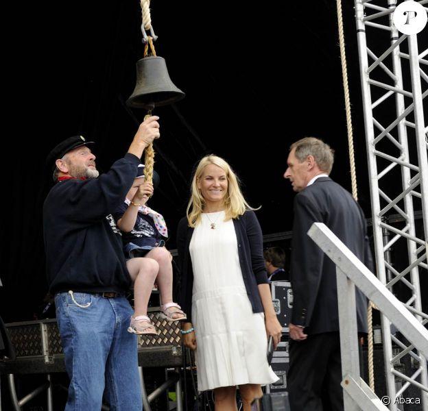 Le 29 juillet 2010, la princesse Mette-Marit de Norvège inaugurait le Tall Ships Races dans sa ville natale de Kristiansand.