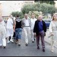 Jacques Chirac se promène avec ses amis François et Maryvonne Pinault à Saint-Tropez le 2 août 2010