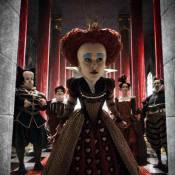 Regardez la création de la terrible Reine Rouge dans le making of inédit d'Alice au Pays des Merveilles !