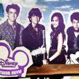 Making-of du film  Camp Rock 2 , diffusé sur Disney Channel France, le 14 septembre 2010.
