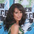 La jolie Lea Michele à l'occasion des Teen Choice Awards 2010, qui se sont tenus au Gibson Amphitheater d'Universal City, au nord de Los Angeles, en Californie, le 8 août 2010.