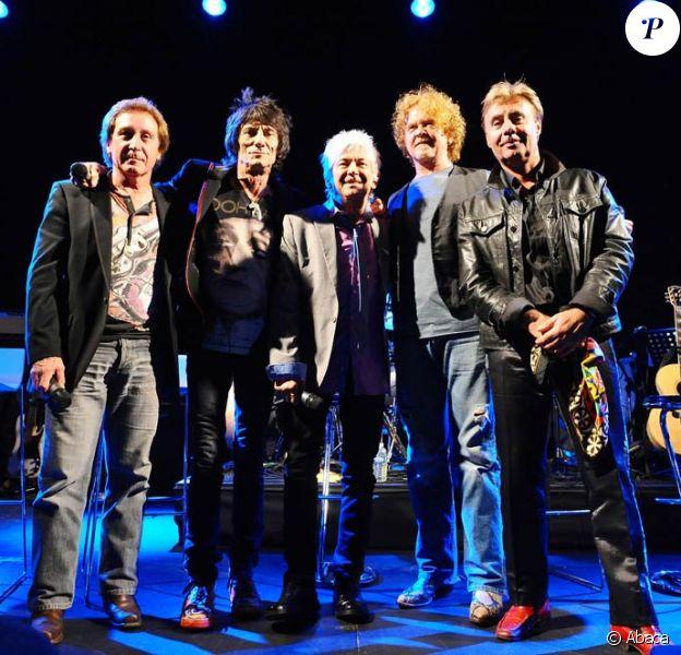 Faces, avec Mick Hucknall remplaçant Rod Stewart et Glen Matlock reprenant le flambeau de Ronnie Lane, s'est reformé et reprend la route en 2010.