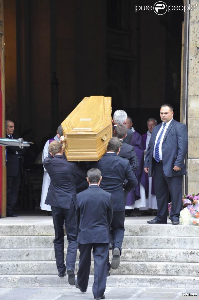 Les obsèques de Bruno Cremer, en l'église Saint-Thomas d'Aquin, dans le VIIe arrondissement de Paris, le 13 août 2010.