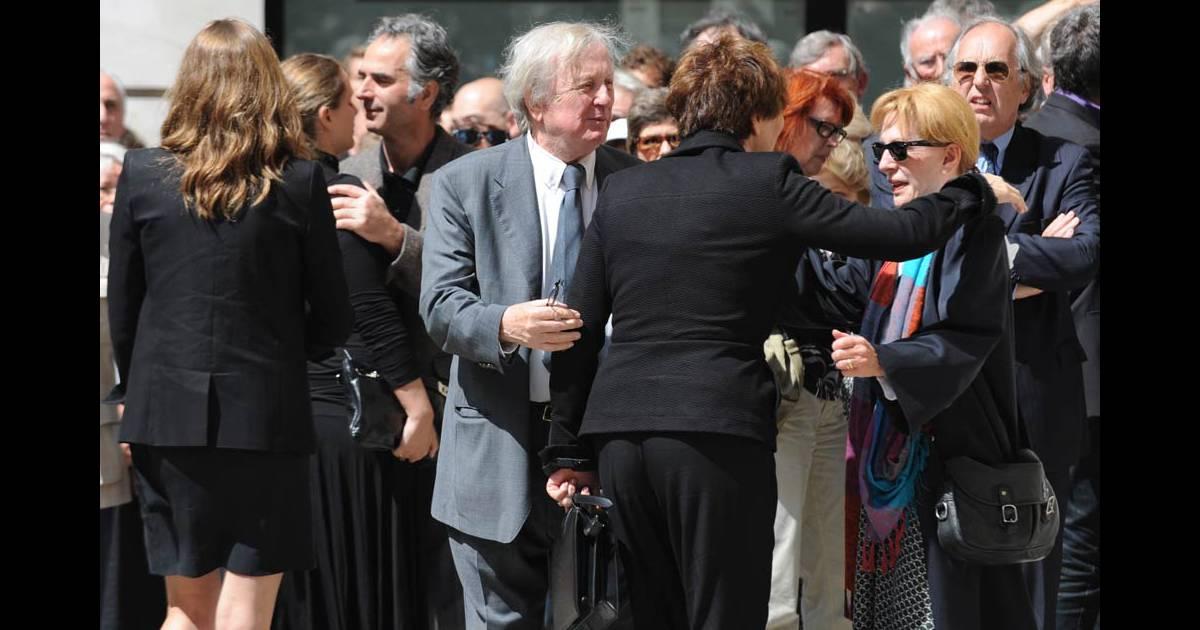 Claude rich aux obs ques de bruno cremer en l 39 glise saint thomas d 39 aquin dans le viie - Journaliste france 2 femme ...