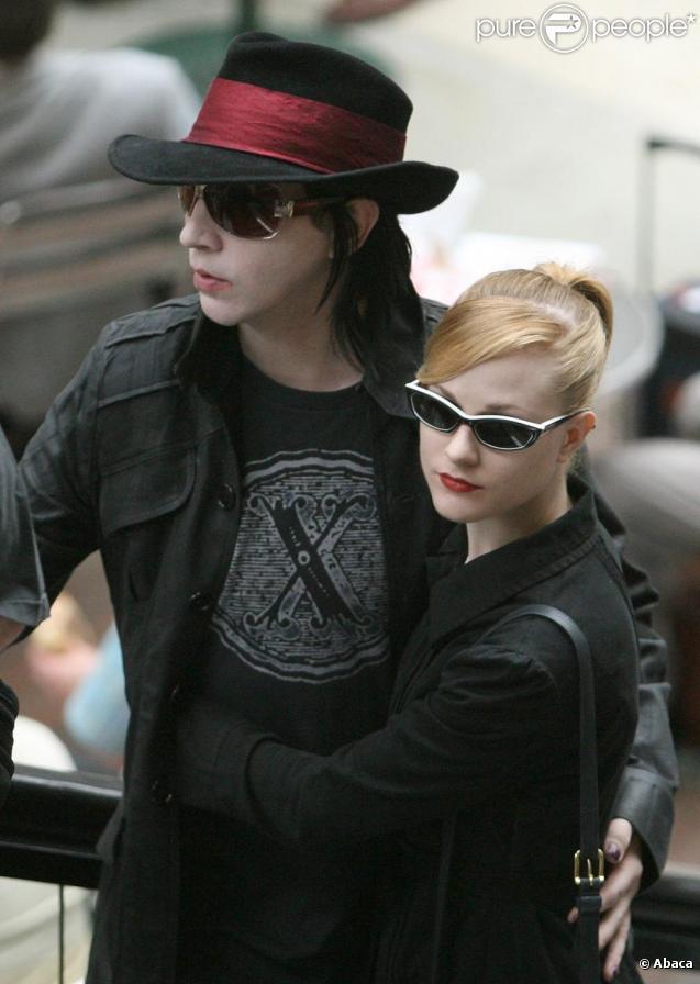 Marilyn Manson et sa fiancée, la resplendissante Evan Rachel Wood auraient mis fin à leur idylle.