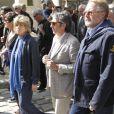 Danièle Thompson, Richard Anconina et Dominique Segall, lors des obsèques d'Alain Corneau, au cimetière du Père-Lachaise, à Paris, le 4 septembre 2010.