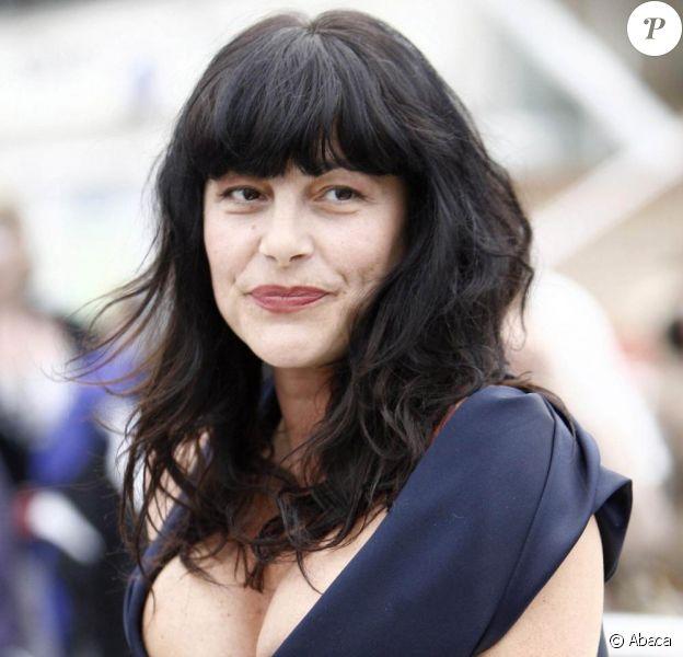 Lio sera chroniqueuse dans le Bureau des Plaintes, le nouveau talk-show bimensuel de Jean-Luc Lemoine.