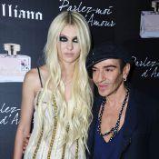Taylor Momsen sexy en diable pour ses fans parisiens dont Valérie Bègue, Alexandra Rosenfeld et Lorie !