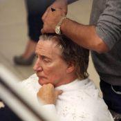 Rod Stewart et la future maman Penny Lancaster : pause coiffure en amoureux !