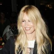 Claudia Schiffer : Elle adore avoir Naomi Campbell... sur ses seins !