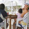 Arantxa Sanchez Vicario et son mari Jose Santacana en compagnie de leur fille Arantxa et quelques amis profitent de leurs vacances à Formentera le 13 septembre 2010