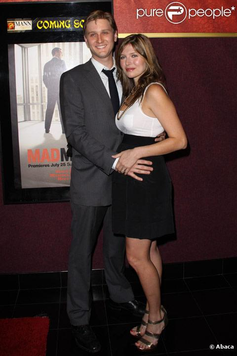 Aaron Staton et sa femme Connie Fletcher Staton à Los Angeles en juillet 2010