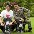 Emmanuel de Brantes et son partenaire Albert de Paname, les dandys de Pékin Express : duos de choc (dès le 6 novembre 2010 sur M6 en prime)