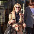 Sharon Stone fait du shopping chez Barney's New York à Beverly Hills le 30 octobre 2010