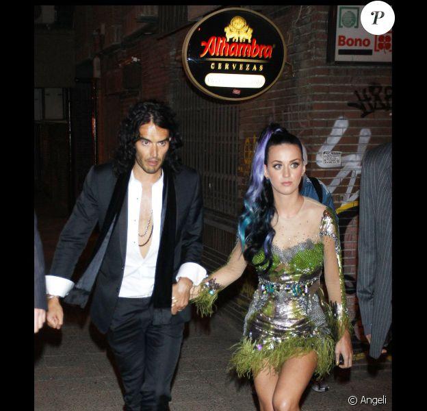 Katy Perry et son mari Russell Brand retrouvent leur amie Rihanna dans un restaurant de Madrid après la cérémonie des MTV EMA le 7 novembre 2010