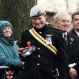 Le prince Harry inaugurait le 8 novembre 2010 un mémorial en hommage aux soldats britanniques tombés en Afghanistan, à Lydiard Park. Bouleversé en rendant hommage à un ami, il a en revanche éclaté de rire lorsque son klaxon a raté son effet !