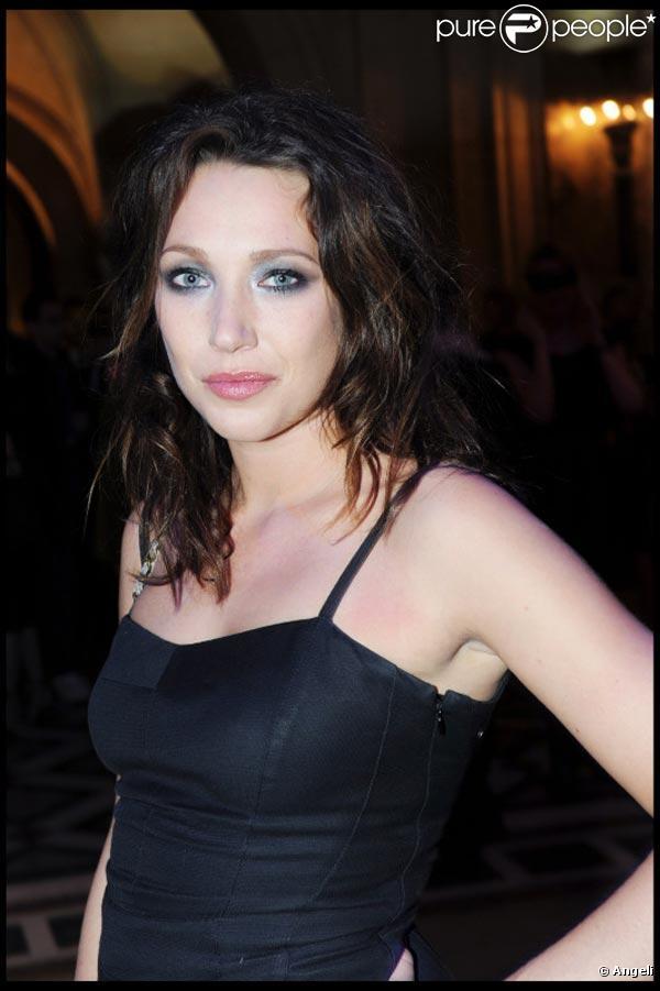 La ravissante Laura Smet fête ses 27 ans le 15 mars 2010.