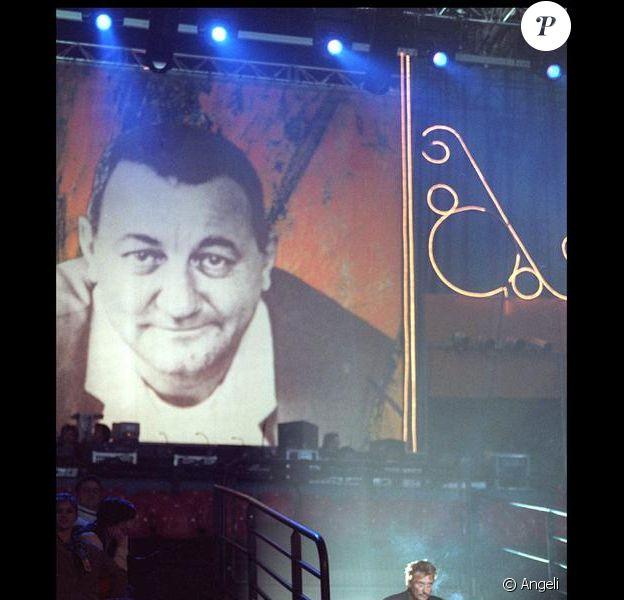 Johnny Hallyday, au concert des Enfoirés en 1998.