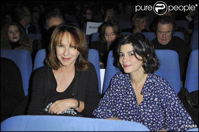 Nathalie Baye et Audrey Tautou à l'occasion de l'avant-première de  Toscan , au cinéma L'Arlequin, à Paris, le 25 novembre 2010.