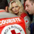 """La Croix-Rouge gère un énorme budget de 978,8 millions d'euros en 2009. Adriana Karembeu peut être fière. Capital écrit que """"la plus grosse association humanitaire de France est gérée au cordeau"""". Elle redistribue 94% de ses dons."""