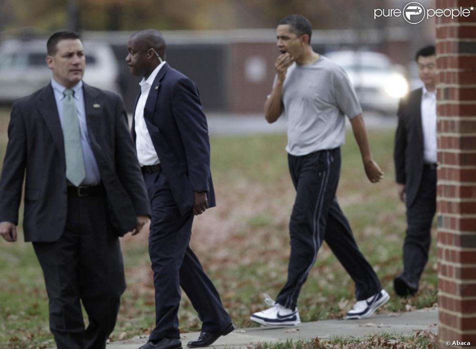 Barack obama se blesse durant un match de basketball le for Barack obama maison blanche