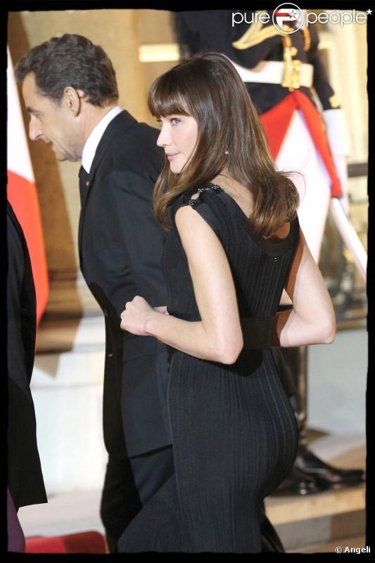 Carla Bruni et Nicolas Sarkozy sur le perron de l'Elysée