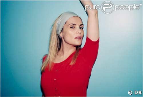 Emmanuelle Seigner pose pour Céline