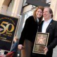 Hans Zimmer, ici avec sa femme Suzanne, honoré par ses pairs, obtient son étoile sur le Walk of Fame de Hollywood Boulevard, à Los Angeles, le 8 décembre 2010.
