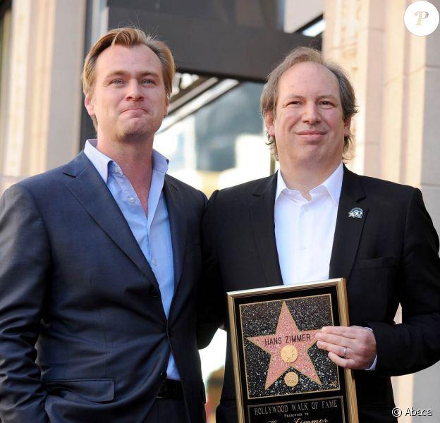 Hans Zimmer, ici avec le cinéaste Christopher Nolan, honoré par ses pairs, obtient son étoile sur le Walk of Fame de Hollywood Boulevard, à Los Angeles, le 8 décembre 2010.