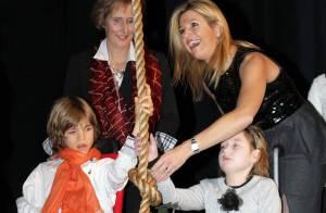 Maxima des Pays-Bas offre son sourire à des enfants qui en ont bien besoin...