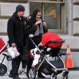 Matt Damon, 40 ans, marié à la ravissante Luciana Bozan, avec qui il a eu deux enfants - Isabella, 4 ans, et Gia Zavala, 2 ans -, est devenu papa pour la troisième fois d'une petite Stella, en octobre.