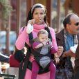 La sculpturale Padma Lakshmi, ex-femme de Salman Rushdie, a donné naissance à son premier enfant avec l'homme d'affaires Manu Nathan, une fille prénommée Krishna Thea, le 20 février.