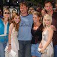 Candace Cameron Bure et le casting de Fête à la maison à Los Angeles, le 1 mai 2004.