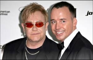 Elton John et David Furnish : leur nouveau-né a trouvé sa plus grande fan !