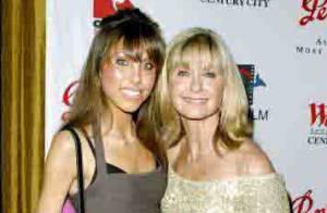 Olivia Newton John : la star de Grease va devenir grand-mère à 62 ans !