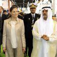 La princesse héritière Victoria de Suède a fait son arrivée dans les Emirats Arabes Unis le 17 janvier 2011, pour une visite de trois jours sur place, sans son époux le prince Daniel.