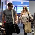 Eddie Cibrian et LeAnn Rhimes à l'aéroport de Burbank, Los Angeles, le 19 janvier 2011.