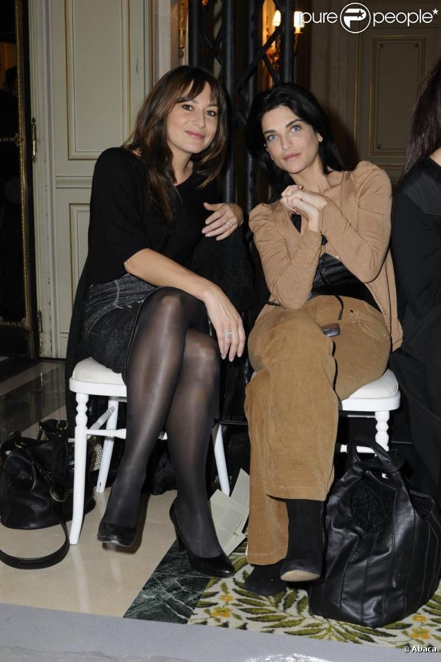 Shirley Bousquet et Pauline Delpech au défilé Haute Couture de Dany Atrache durant la Fashion Week parisienne, le 26 janvier 2011.