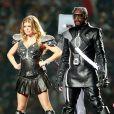 Fergie sur scène lors du Super Bowl le 6 février 2011 à Dallas