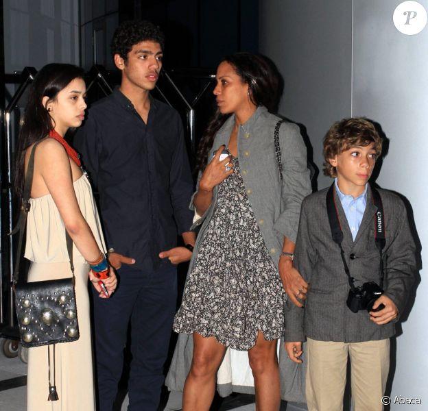 Noah Becker, fils de Boris Becker, fête son anniversaire avec sa mère Barbara Feltus, son frère Elias, sa petite-amie Rafaela, et Lenny Kravitz, à Miami le 18 janvier 2011