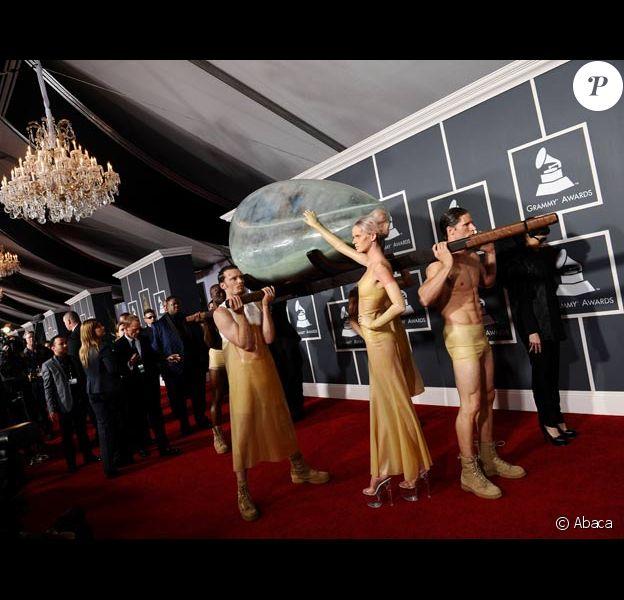 Lady GaGa arrive aux 53èmes Grammy Awards à Los Angeles en février 2011