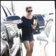 Kate Walsh se rend dans un salon de manucure de Los Angeles le 19 février 2011