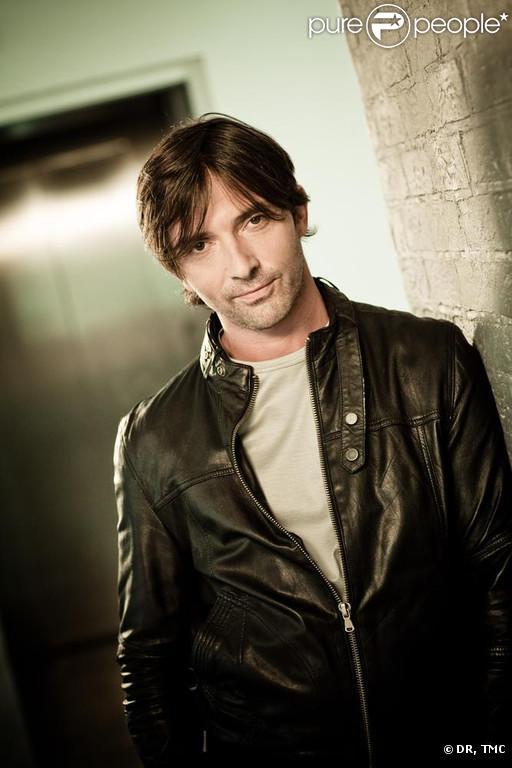 Sébastien Roch revient dans  Les Mystères de l'Amour , la nouvelle fiction diffusée chaque samedi sur TMC depuis le 12 février 2011.