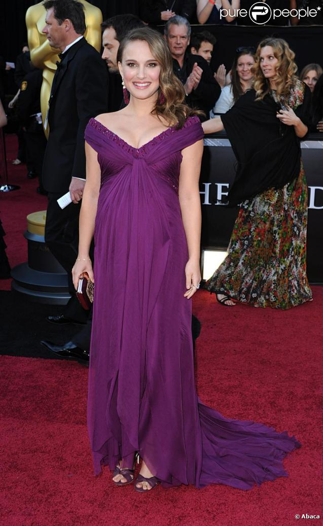 Natalie Portman lors de son arrivée à la 83e cérémonie des Oscars, au Kodak Theatre d'Hollywood, à Los Angeles, le 27 février 2011.