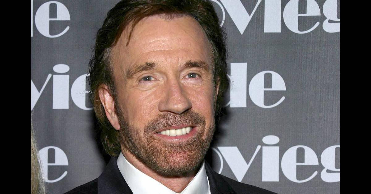 chuck norris il se lance dans la pub pour un h pital limoges purepeople. Black Bedroom Furniture Sets. Home Design Ideas