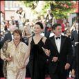 Annie Girardot accompagnée de Juliette Binoche et Daniel Auteuil pour la présentation du film Caché en 2005